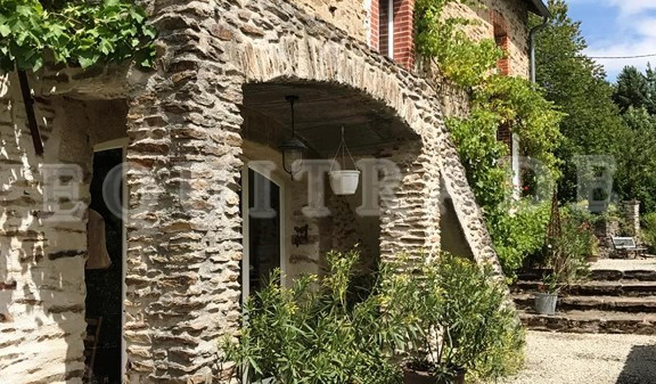 Property with pool and garden Gueret