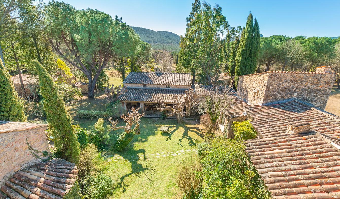 Propriété avec piscine Bagnols-en-Forêt