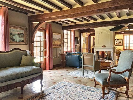 Vente maison 10 pièces 273 m2