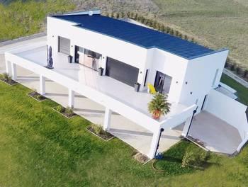 Maison 6 pièces 320 m2