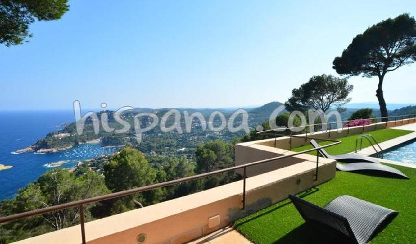 Villa with pool and terrace Aigua Blava
