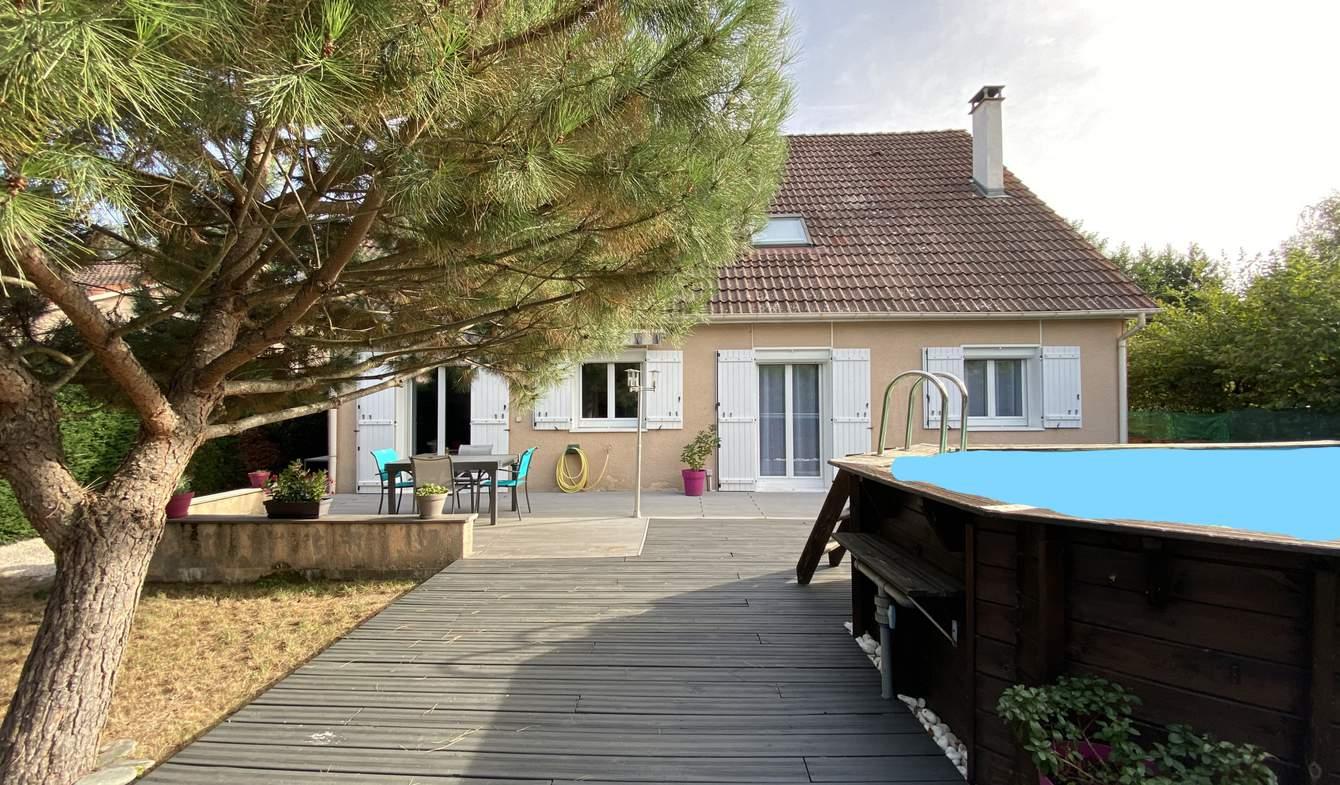 Maison avec piscine et terrasse Riorges