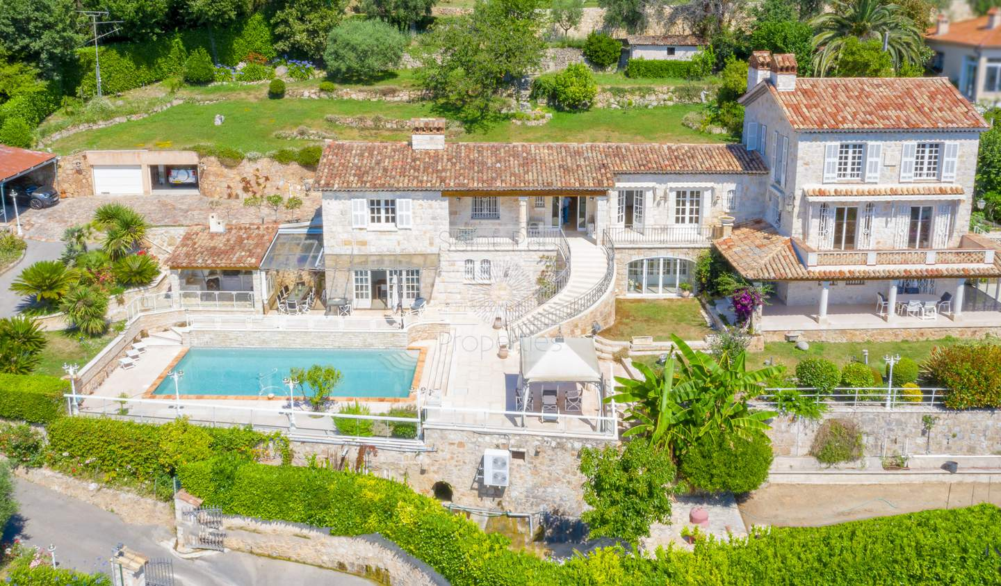 Villa with pool and terrace Vence