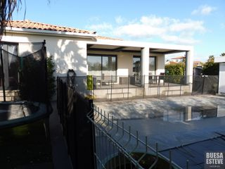 Maison Servian (34290)