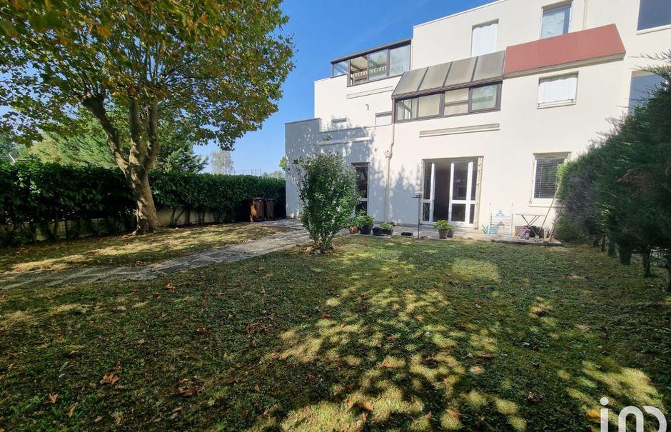 Vente appartement 5 pièces 104 m² à Evry (91000), 225 000 €