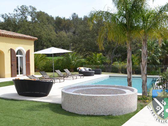 Vente villa 8 pièces 306 m2