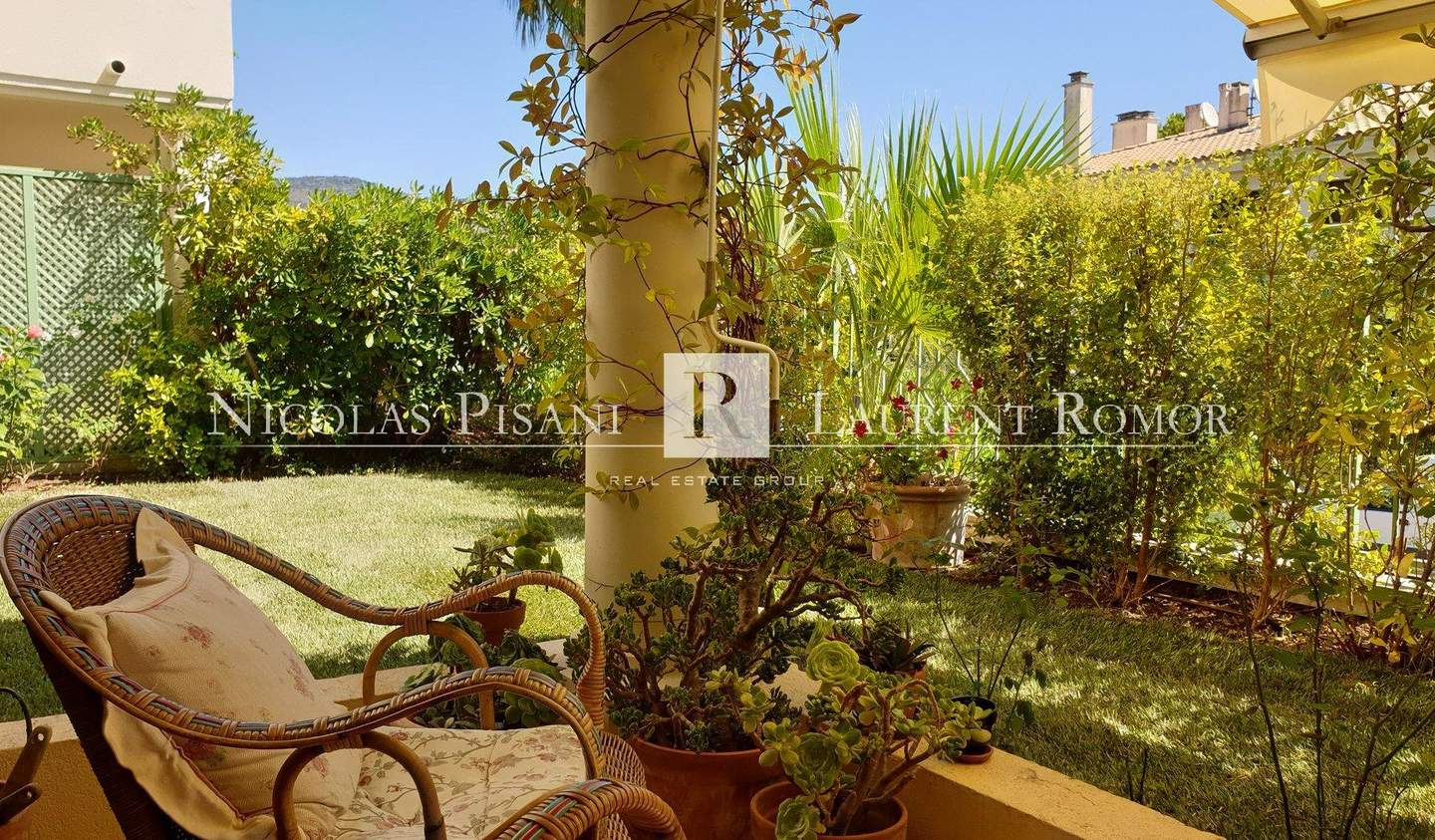 Apartment with terrace Saint-Jean-Cap-Ferrat