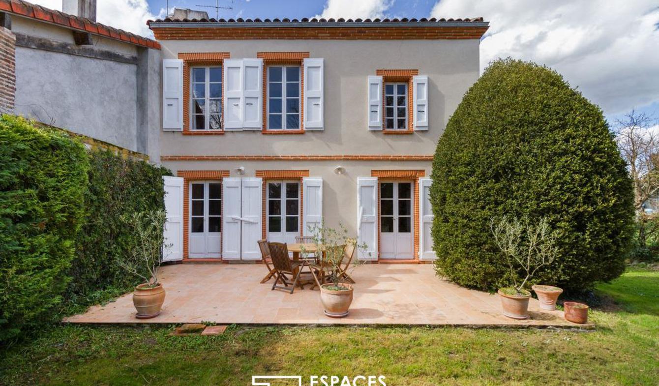 House with terrace Esperce