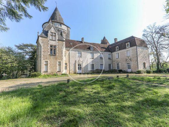 Vente château 23 pièces 815 m2