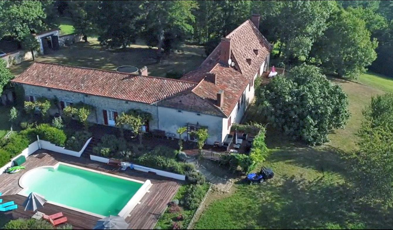 House with pool Perigueux