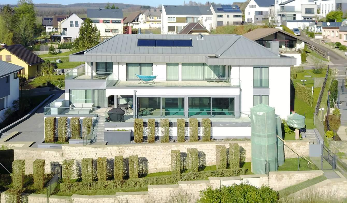 Villa avec piscine et terrasse Ehnen