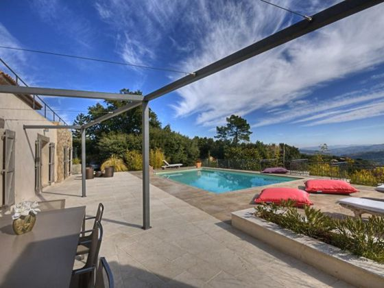 Vente villa 8 pièces 264 m2