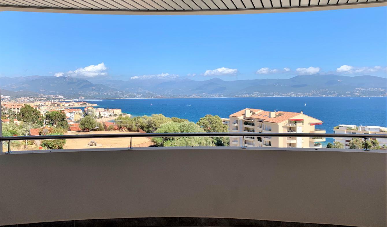Apartment with terrace Ajaccio