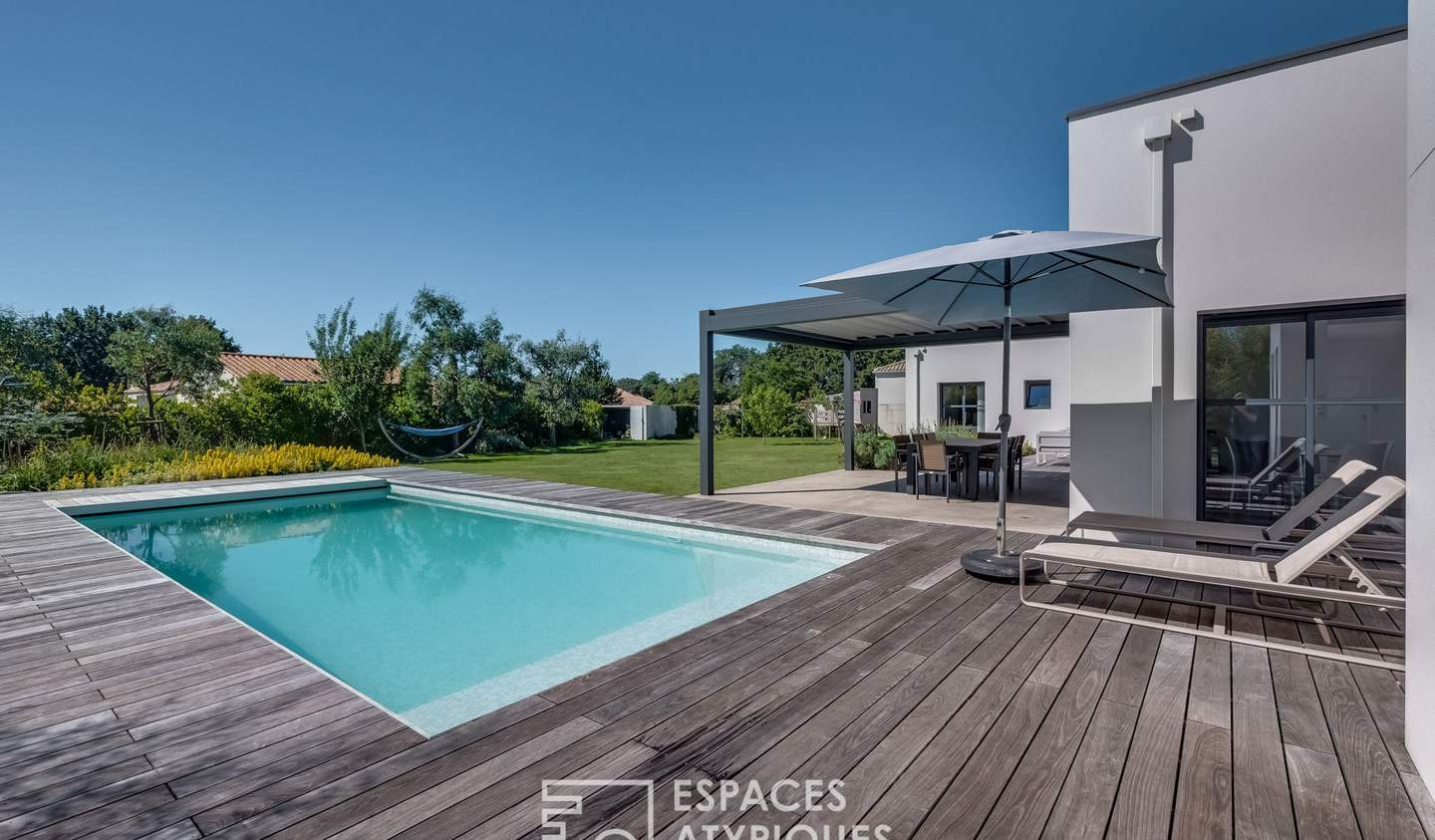 House with pool and terrace Talmont-Saint-Hilaire