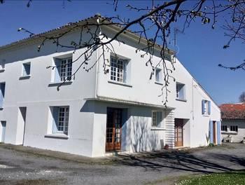 Maison 16 pièces 245 m2