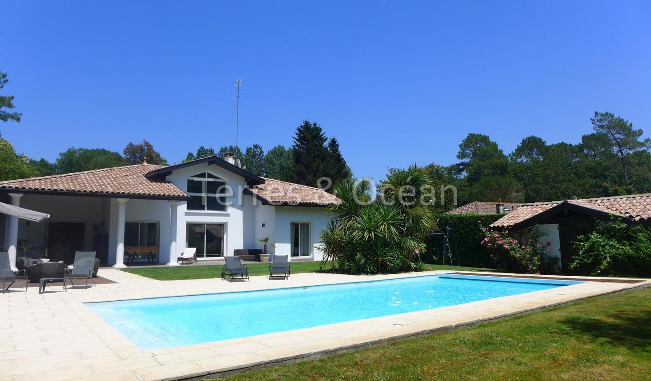 Maison avec piscine et terrasse Saubion
