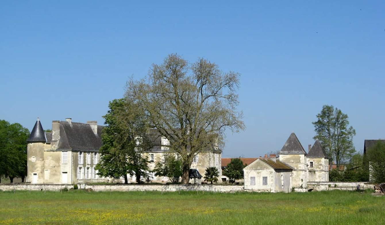 Château classé monument historique Lencloître
