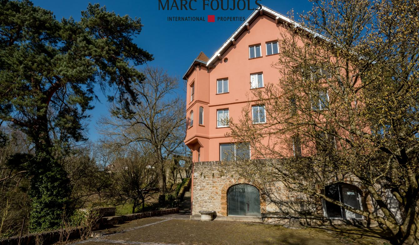 Private mansion Jouy-en-Josas