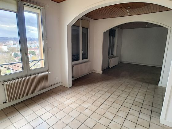 Location appartement 5 pièces 60 m2