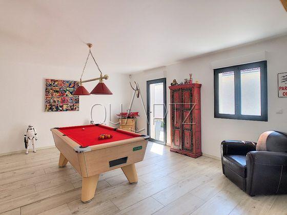 Vente maison 8 pièces 271 m2