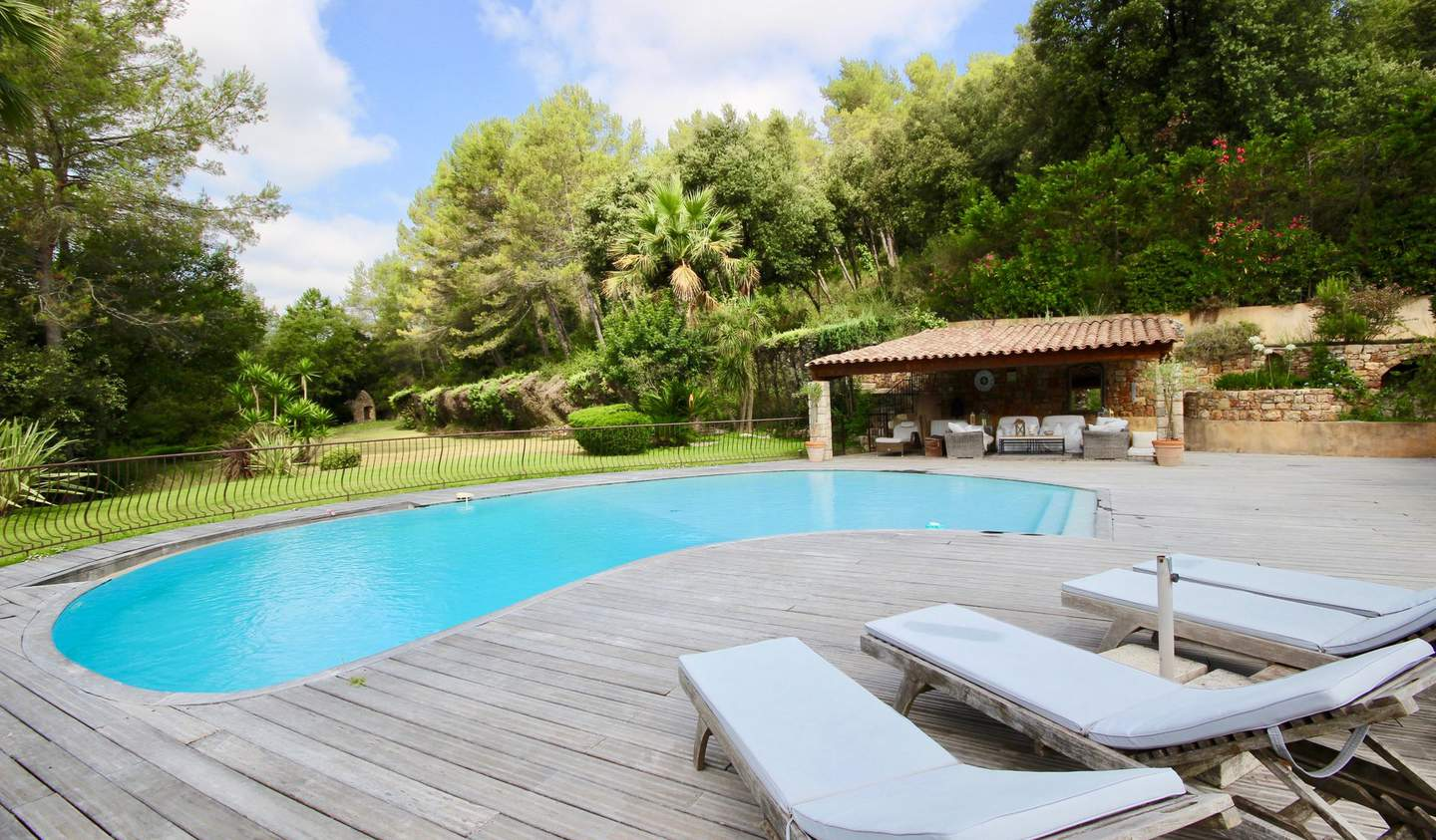 House with pool Valbonne