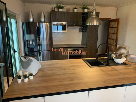 Location villa meublée 6 pièces 250 m2