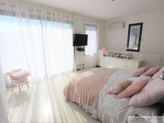Vente propriété 6 pièces 210 m2