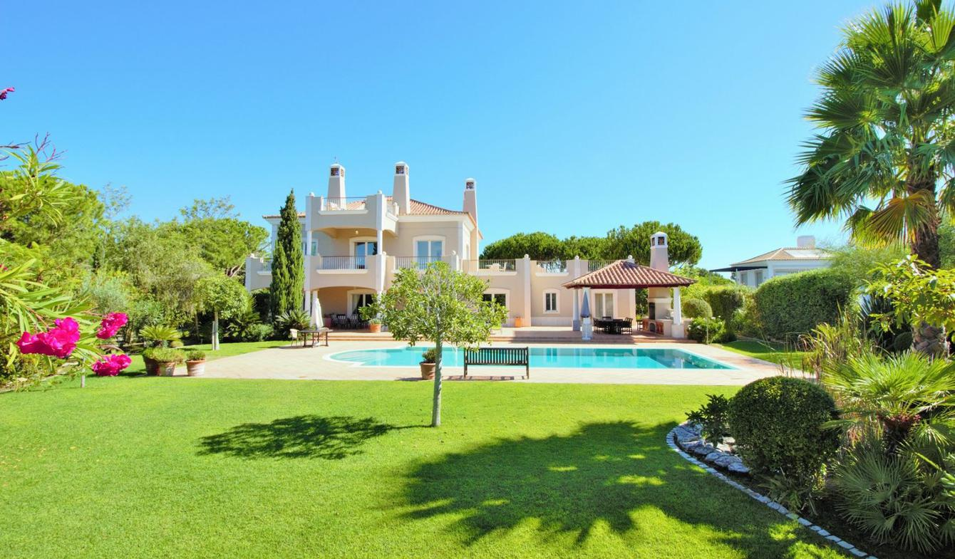 House with pool and terrace Faro District