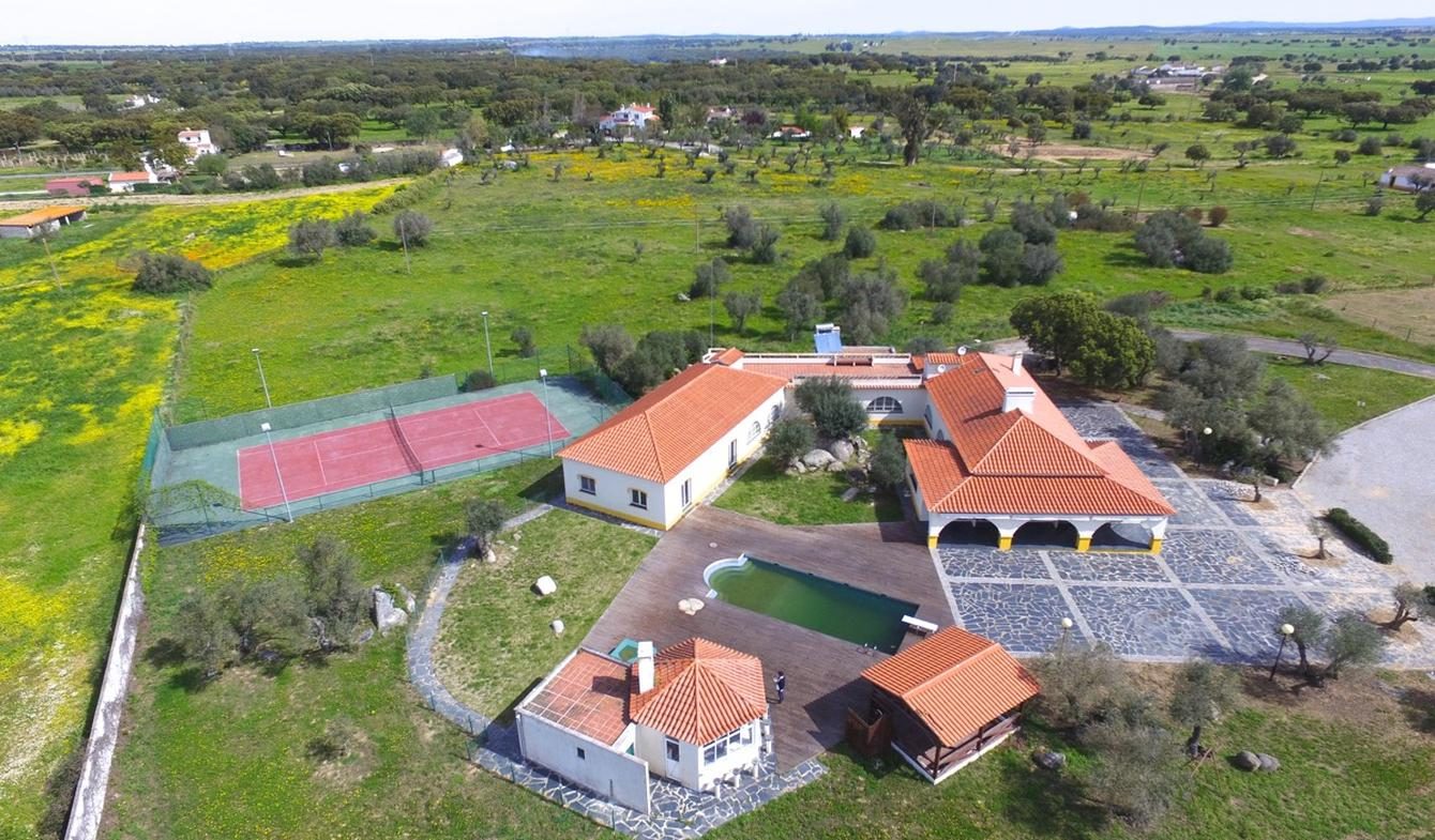 Farm house with garden and pool Evora
