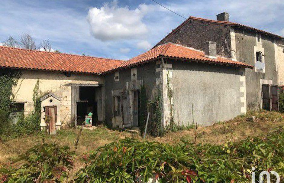 Vente maison 7 pièces 280 m² à Gout-Rossignol (24320), 54 950 €