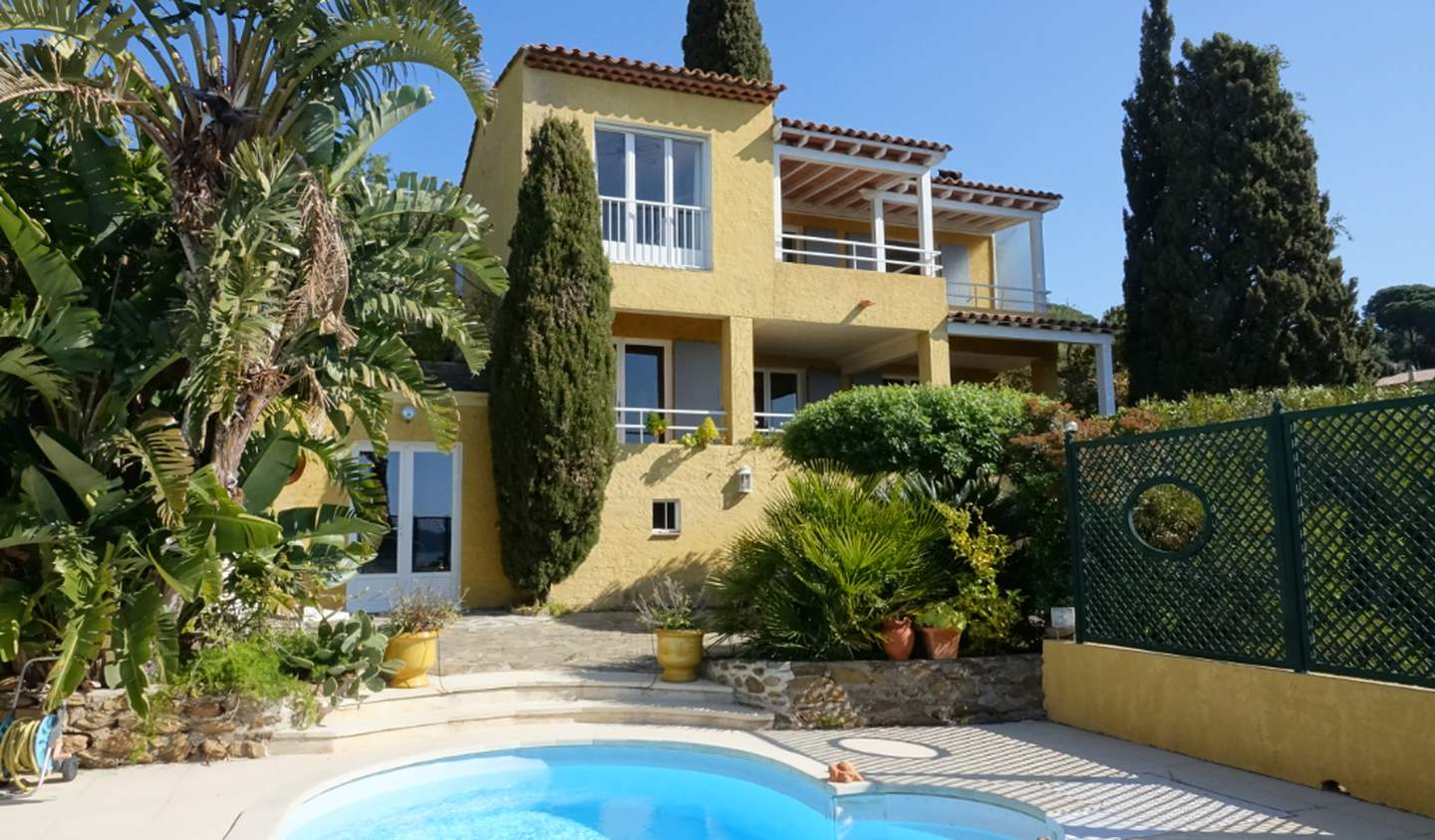 House with pool and terrace Le Lavandou