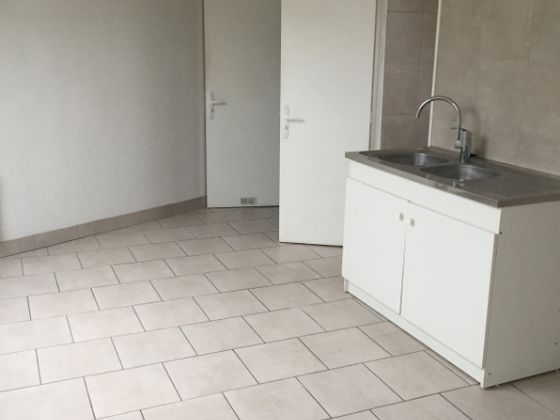 Location appartement 2 pièces 30,49 m2