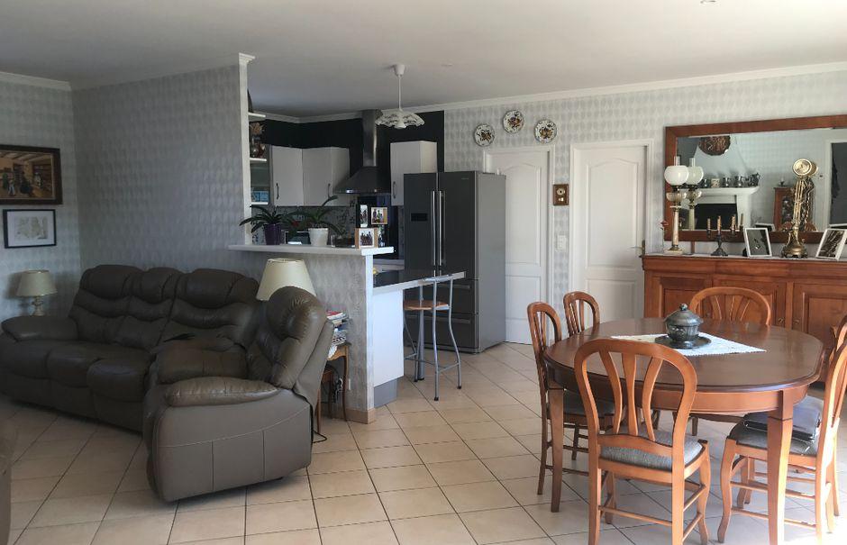 Vente maison 7 pièces 140 m² à Asnières-la-Giraud (17400), 249 000 €