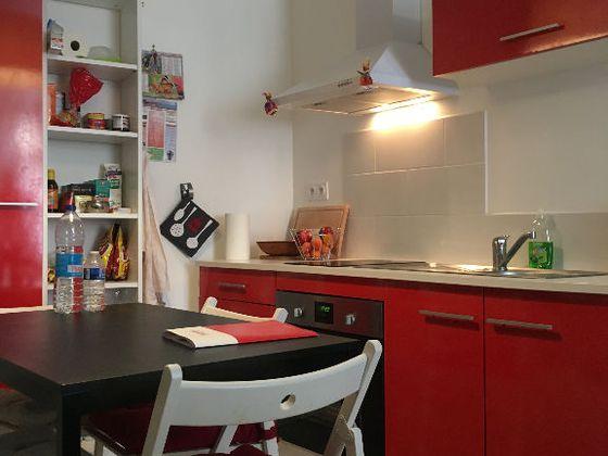 Location studio meublé 23,9 m2