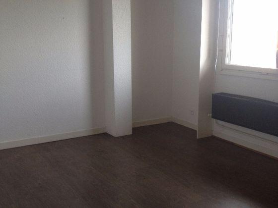 Location divers 4 pièces 104 m2