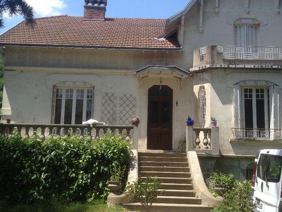Location maison 7 pièces 198 m2