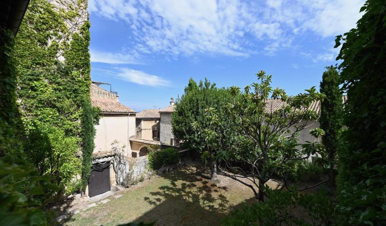 House with terrace Laudun-l'Ardoise