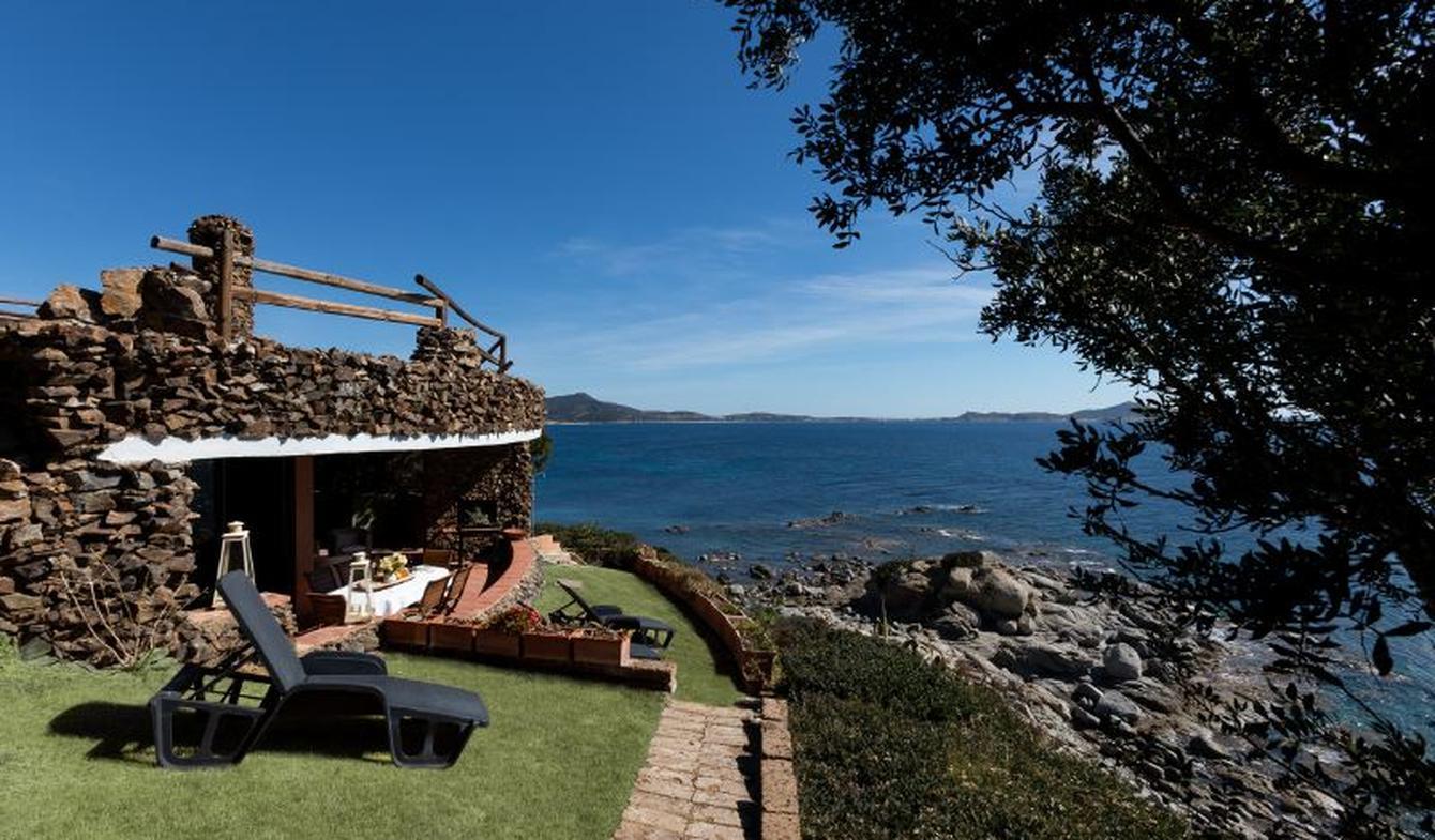 Seaside house and garden Villasimius