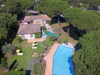 Villa 5 pièces 235 m2