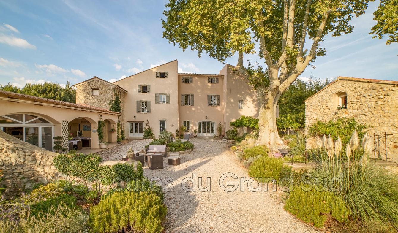 Villa avec terrasse Mazan