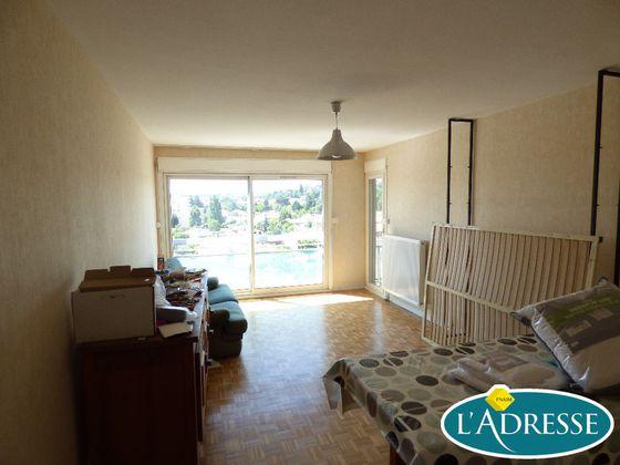 Location appartement meublé 5 pièces 96 m2
