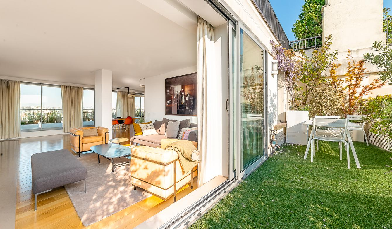 Contemporary apartment with terrace Paris 16th