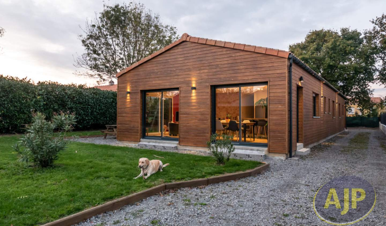 House with terrace Cheix-en-Retz