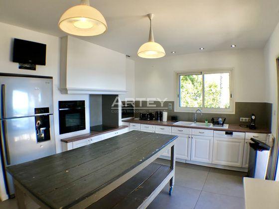 Location villa meublée 5 pièces 185,6 m2