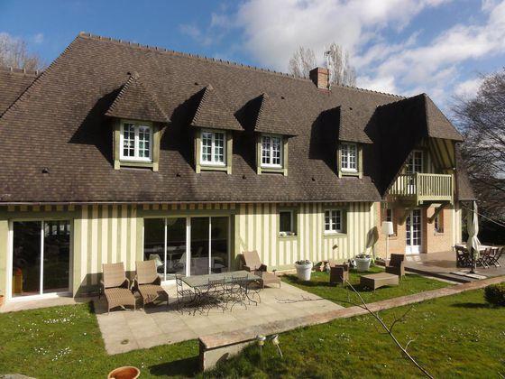 Vente villa 6 pièces 230 m2