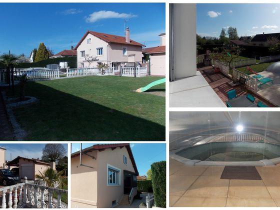 Vente villa 9 pièces 211 m2