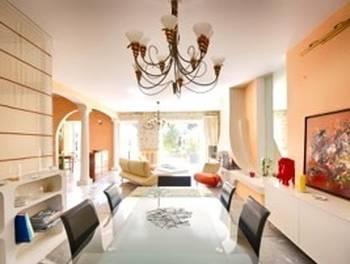 Maison 7 pièces 295 m2