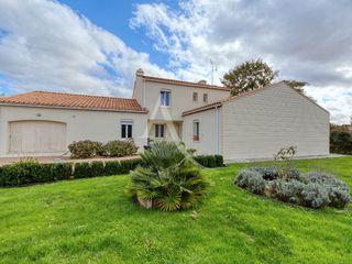 Maison Le Poiré-sur-Vie (85170)