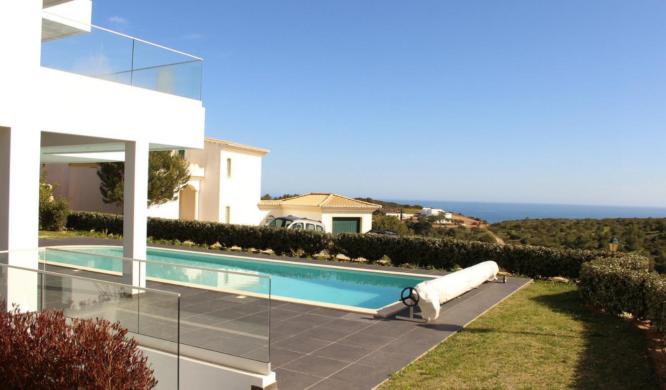 Maison avec piscine et terrasse Budens