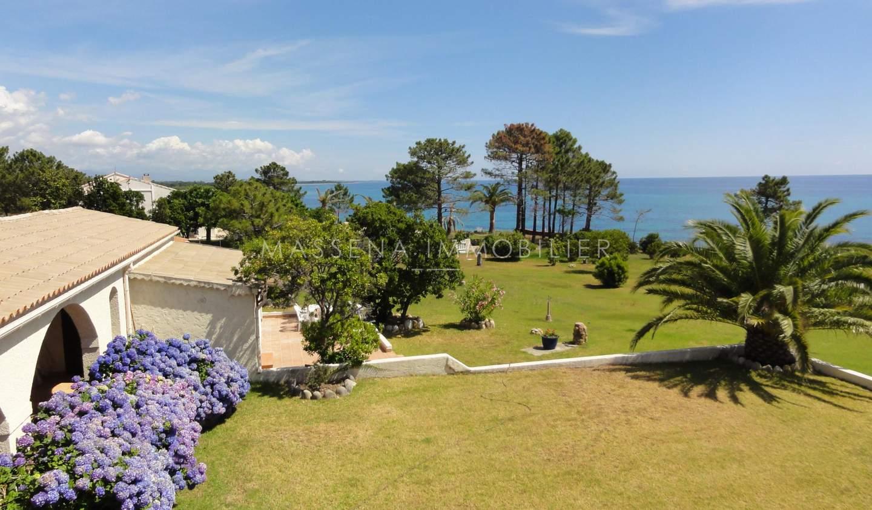 Villa en bord de mer avec jardin Sari-Solenzara